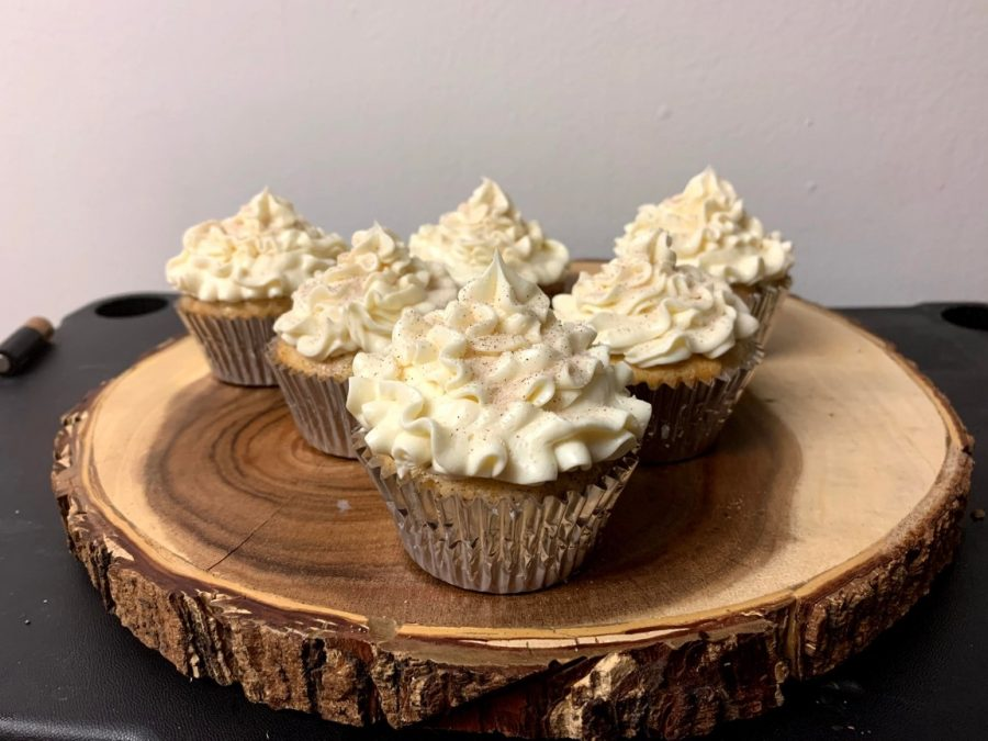 Snickerdoodle Cupcakes with Buttercream Frosting